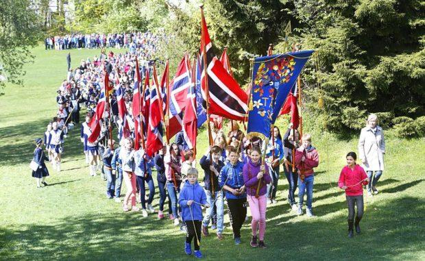 Barnehagetoget 16. mai 2016, da Tåsen skole var 100 år.
