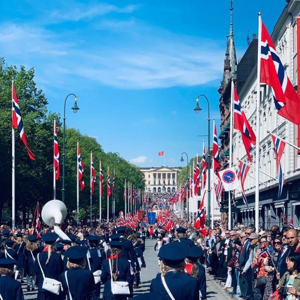 Tåsen skolekorps på vei opp Karl Johans 17.mai 2019